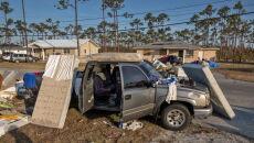 Bahamy po przejściu huraganu Dorian (PAP/EPA/CRISTOBAL HERRERA)