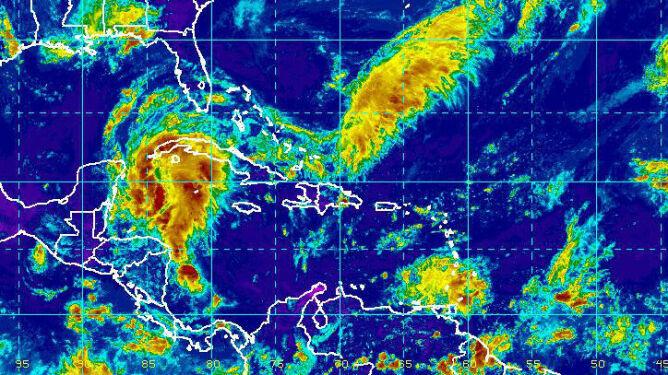 Ewakuacja platform w Zatoce Meksykańskiej. Nadciąga potężna burza tropikalna