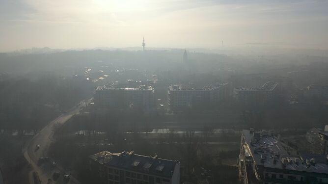 Fatalna jakość powietrza w Krakowie i Goczałkowicach-Zdroju. Smog też w innych miastach