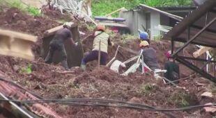 27 zaginionych osób po osuwiskach ziemi w Indonezji